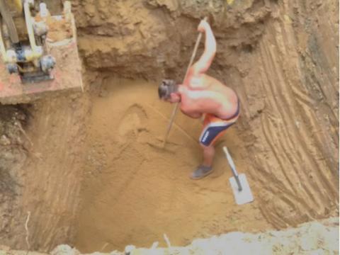 5. Úprava dna výkopu, obsyp pískem.